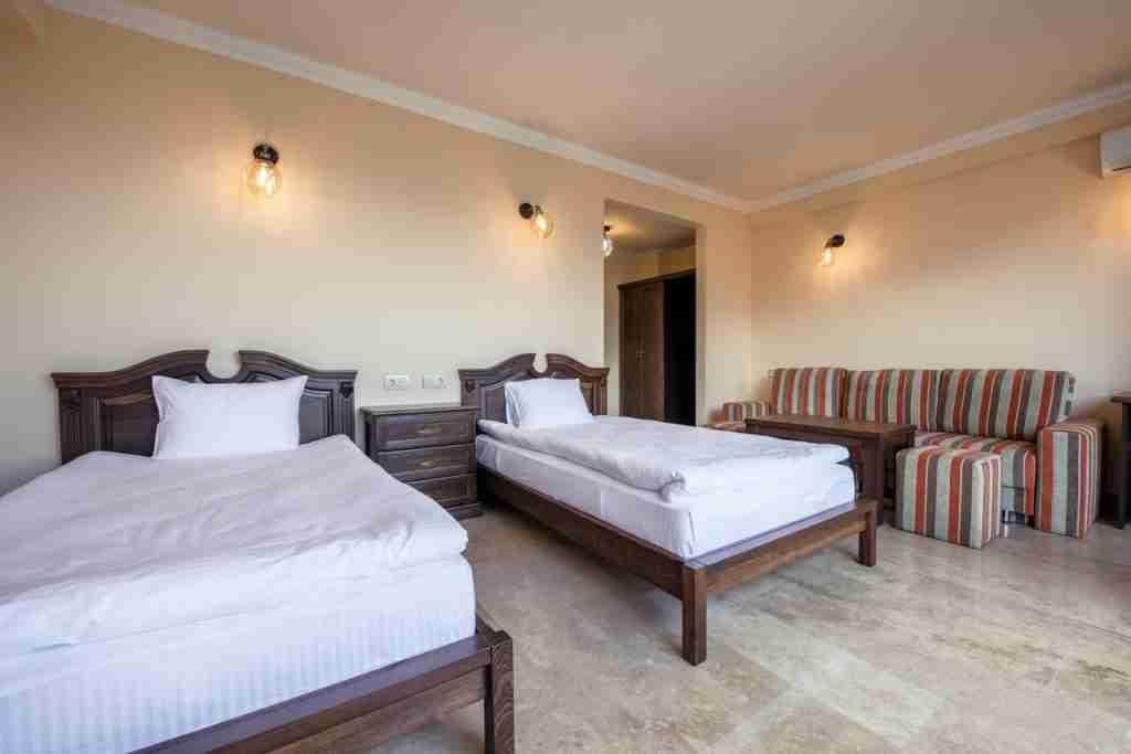 Lastiver Resort